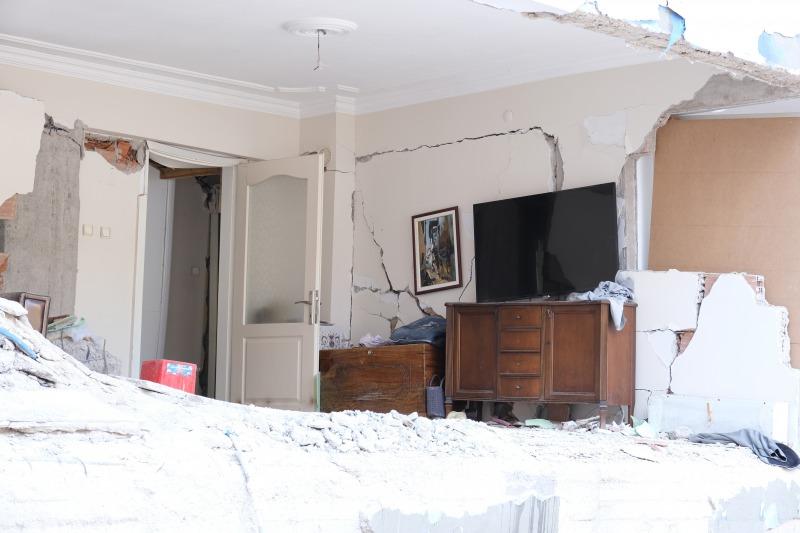 地震保険でアパートは建て直せる?損害額をカバーする方法